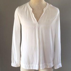 Three dots vneck long sleeve white shirt size L